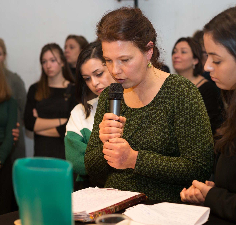 Suzanne leest monoloog voor van Ruiz